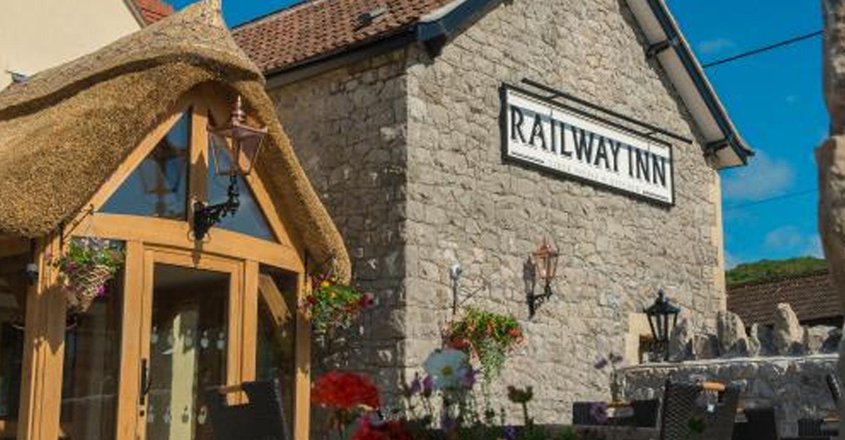 Railway-Inn-Thatchers-box